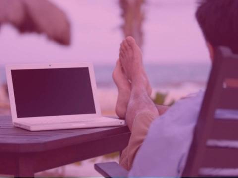 Redes Sociales desde la Playa (Arnedo)