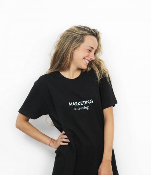 """Camiseta Original """"Marketing is coming"""""""