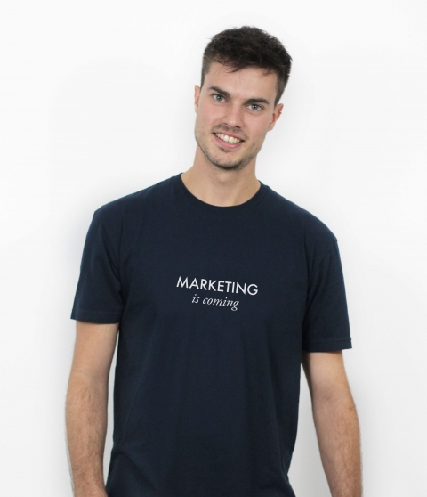 "Camiseta ""Marketing is coming"" para marketeros"
